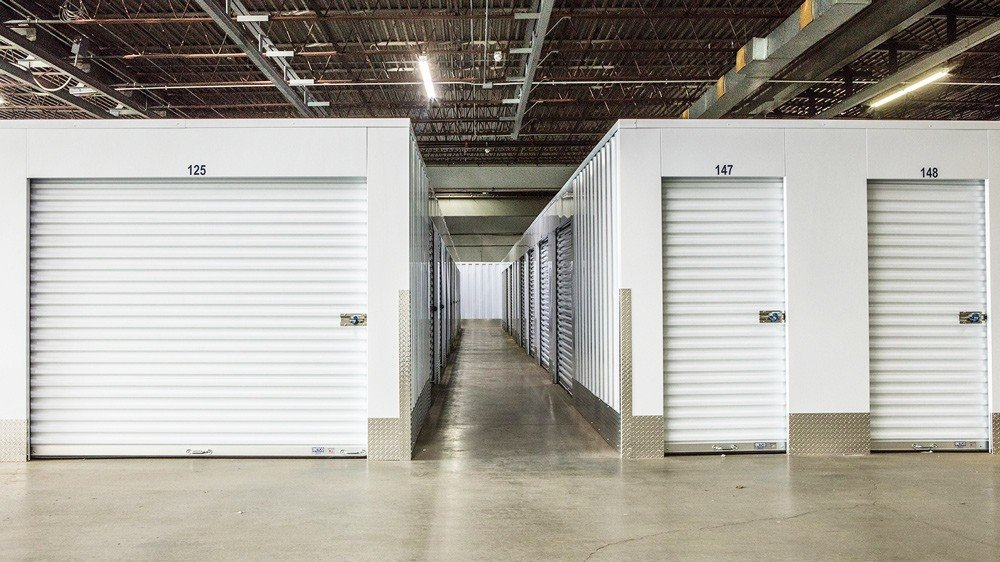 Pros and Cons of Self-Storage